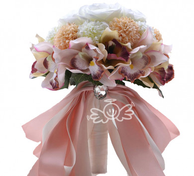 Pearl Pink and white wedding bouquets for bride and bridesmaids