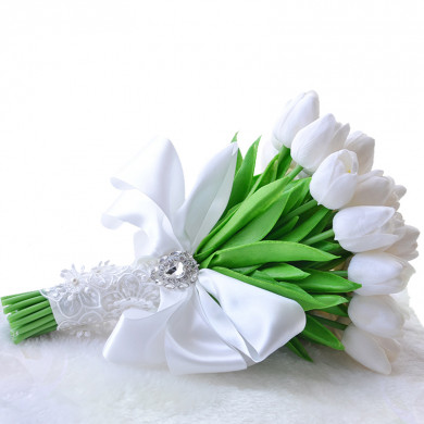 Ivory Gorgeous Tulip bouquet for Bridesmaid holding flowers