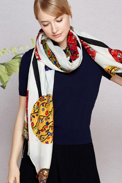 2019 Beige high-end long prints woolen scarfs for women's shawl for Spring or autumn