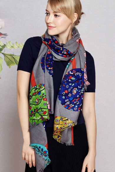 2019 Fashion Spring or autumn high-end Gray prints woolen scarf for women