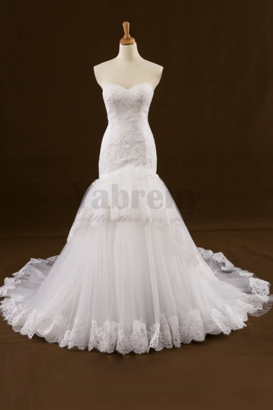 Glamorous Mermaid Strapless Wedding dress With Sweep Train
