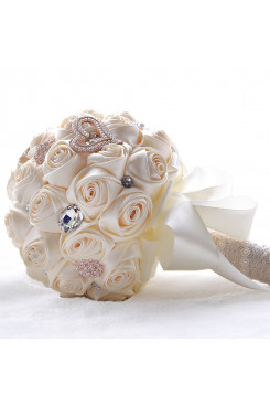 Ivory Color bride holding flowers with Galss Drill for Home Garden Party Wedding Decoration