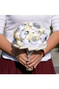 White and ivory Artificial Flowers Rose for Bride Bouquet with preals